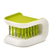 Picture of BladeBrush™ (2 colors)